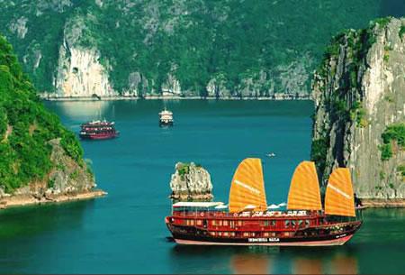 Halong Bay aboard Indochina Sails
